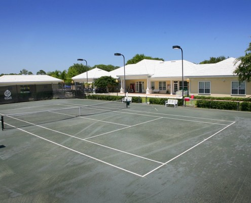 Queen's Harbour offers 8 fully-lit, Har-Tru tennis courts for professional-level play